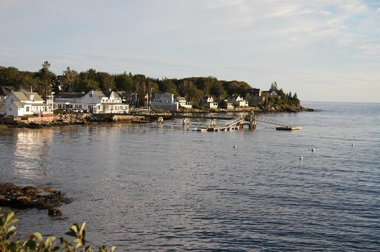 East Boothbay, ME: The hotel