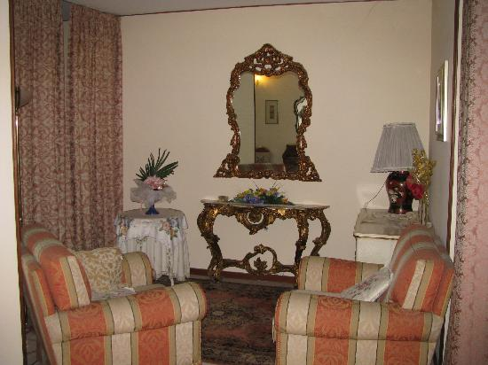 Villa Serena: Another Common Area