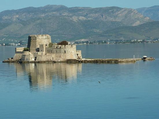 Grande Bretagne Hotel Nafplio: The Bourtzi from my room.