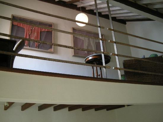 Villa Kresna: Lovely loft - a comfy chair would do well here