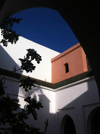 Riad Dar Zaman: cobalt sky from courtyard ( even bluer with an Android fone