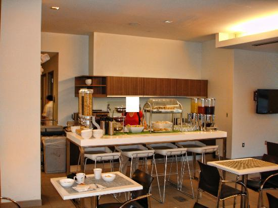 Element Ewing Princeton: Breakfastarea in Lobby