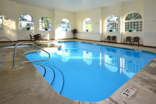 BEST WESTERN Concord Inn &amp; Suites: Pool
