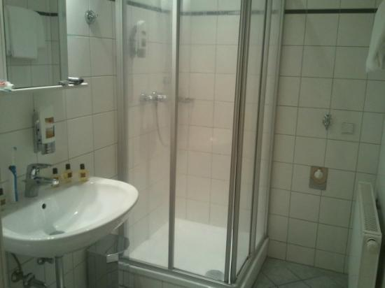 Josefstadt Appartements: Bathroom