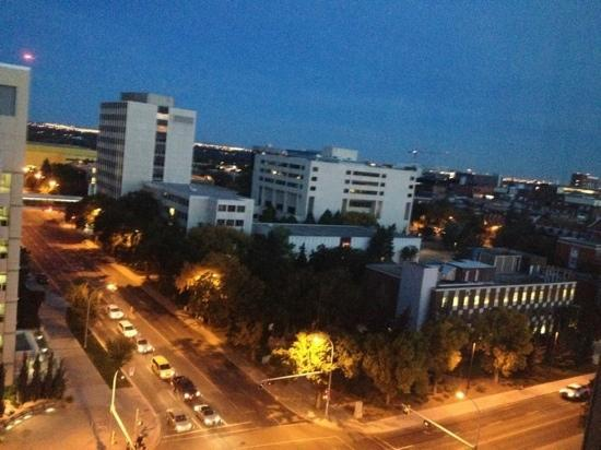 Campus Tower Suite Hotel: September 20, 2012. 6:00am Edmonton. view from 1105