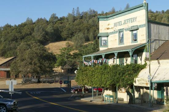 Hotel Jeffery: Quaint old building