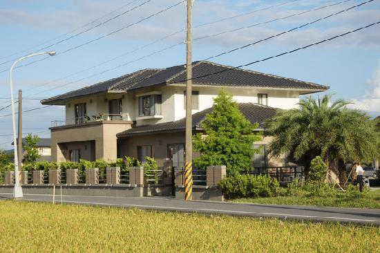 Beautiful villa picture of beautiful villa yilan for Beautiful villas pics