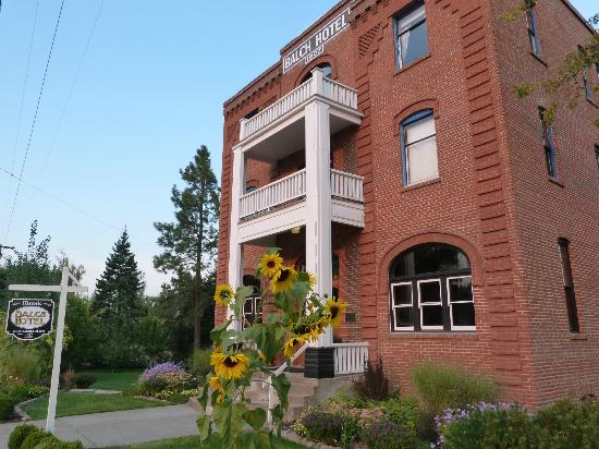 Dufur, OR: Historic Balch Hotel