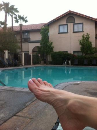 Hilton Garden Inn Palm Springs/Rancho Mirage: ah.... after a day of hiking and exploring the San Andreas fault.