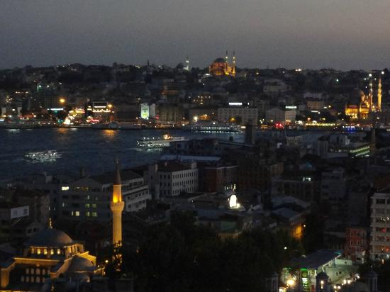Witt Istanbul Suites: Early Evening-Sulyemaniye Mosque