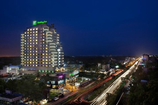 Holiday Inn Cochin: Hotel - Exterior view