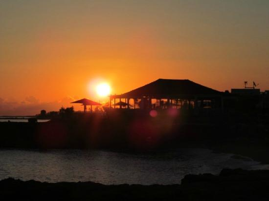 Blue Aegean Apartotel: Sunset over The Island restaurant