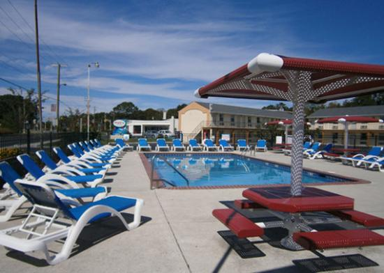Econo Lodge Somers Point: NJPool Photo