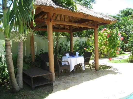 Sandals Negril Beach Resort &amp; Spa: Cabana setup for lobster lunch by Denato!