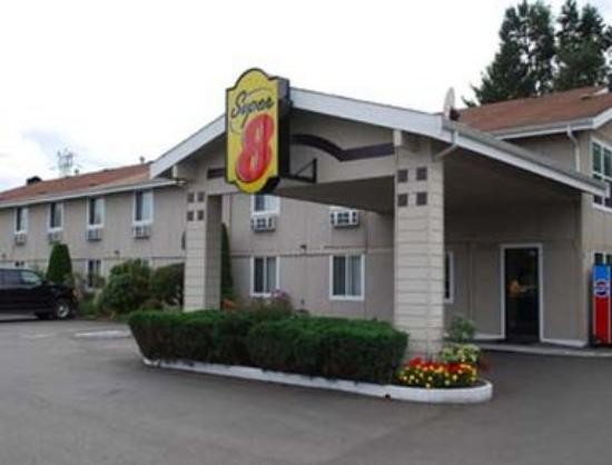 Super 8 Motel - Shelton: Welcome to the Super 8 Shelton