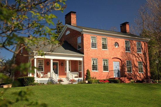 Bloomfield, : Abner Adams House in the Spring