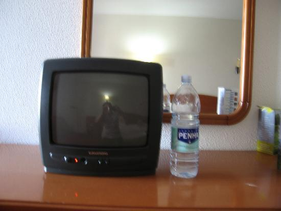 Small Old Tvs V...