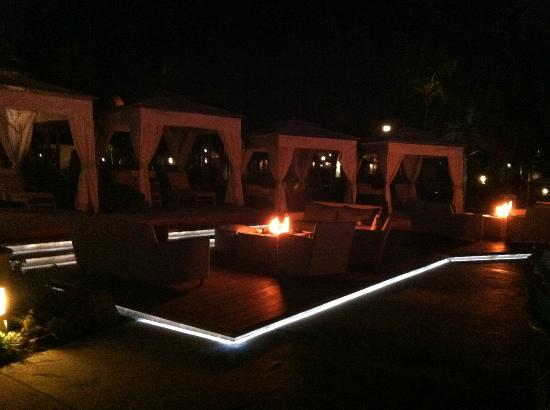 Sandals Emerald Bay: Pool Cabanas @ Night