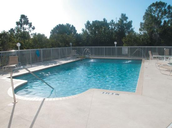 La Quinta Inn & Suites Port Charlotte : Pool