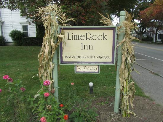 LimeRock Inn: Welcome Sign