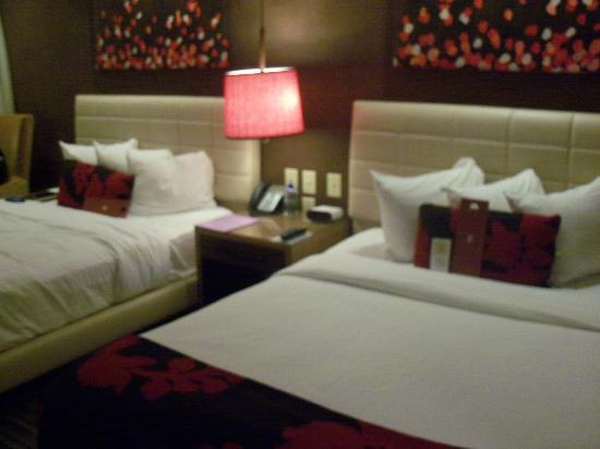 Hutton Hotel: My room, really sweet and comfy