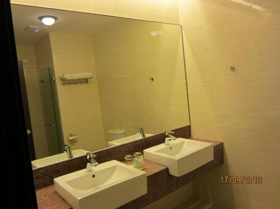 Ixora Hotel: Very spacious