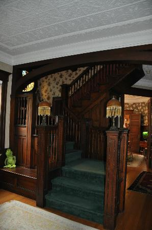 Sleepy Hollow Bed & Breakfast: Escalier