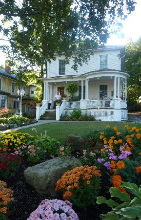 Accommodations Niagara Bed and Breakfast: Accommodations Niagara Bed and Breakfast
