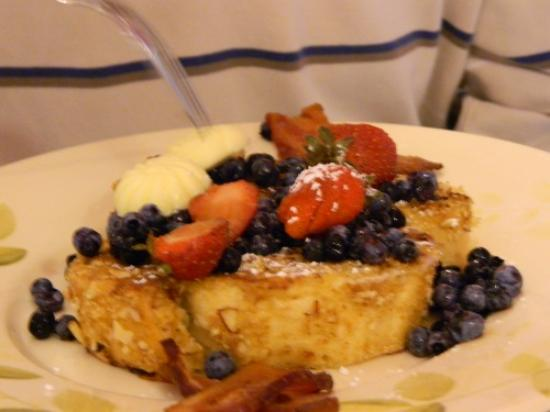 Captain Swift Inn: french toast- second course