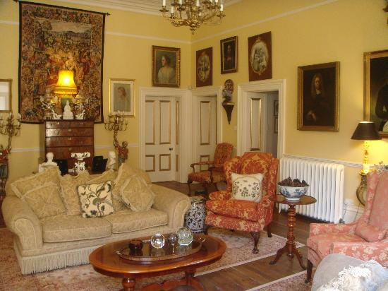 Thorney Hall Bed and Breakfast: Inside the splendid Beauty of Thorney hall