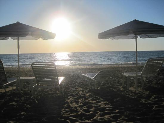 Aquis Agios Gordios Beach Hotel: The beach