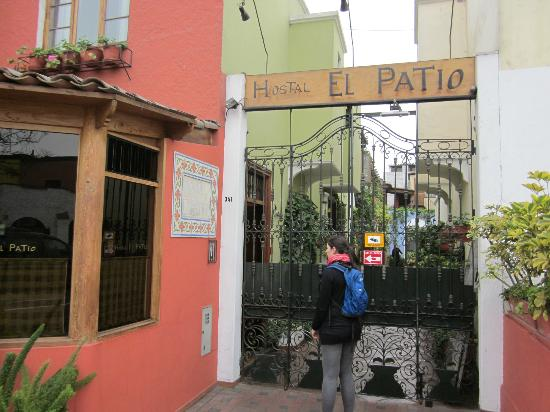 Hostal El Patio Outfront