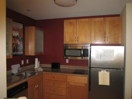 Residence Inn Marriott Lafayette: Kitchen