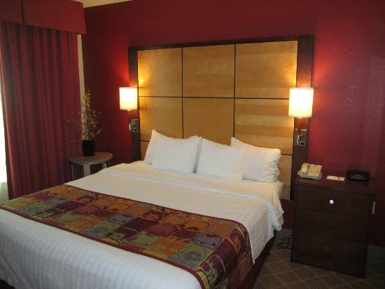 Residence Inn Marriott Lafayette: Bedroom