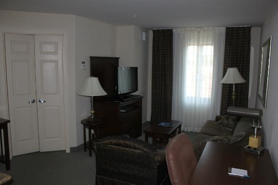 Staybridge Suites Davenport: Lounge Area