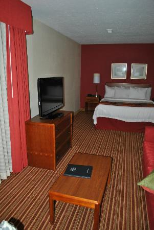Residence Inn Cincinnati North / Sharonville: Bed