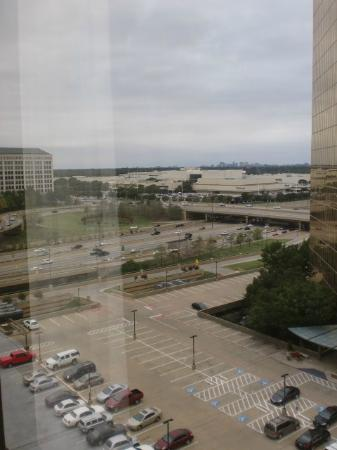 DoubleTree by Hilton Hotel Dallas - Campbell Centre: View of Northpark Mall &amp; 75