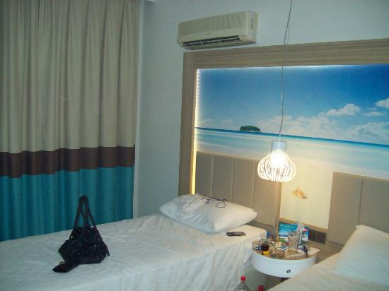 Blue Bay Platinum Hotel: bedroom