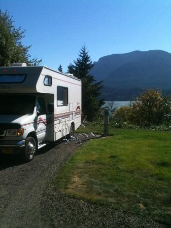 Skamania Coves Resort: View of the Columbia Gorge from upper level RV parking