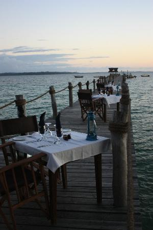 Fundu Lagoon: Dinner on the Jetty