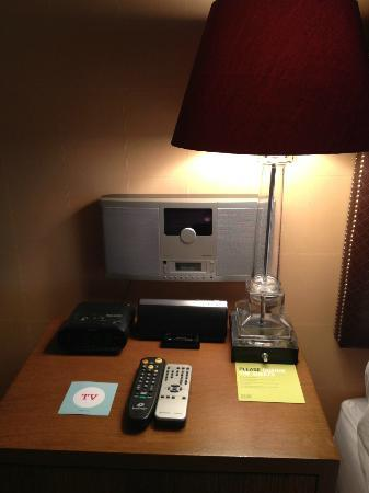 Four Points by Sheraton San Jose Downtown: Nightstand