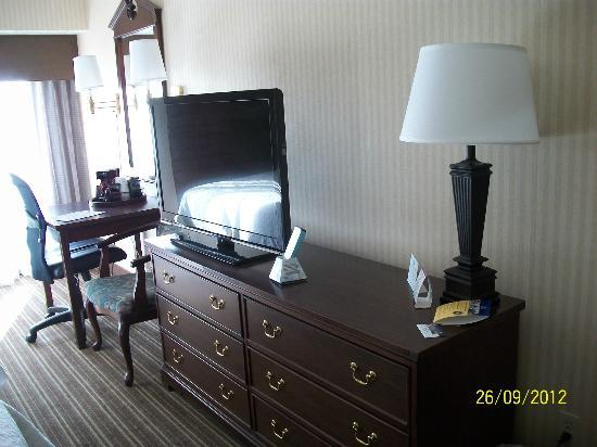 BEST WESTERN PLUS CottonTree Inn: Desk in room