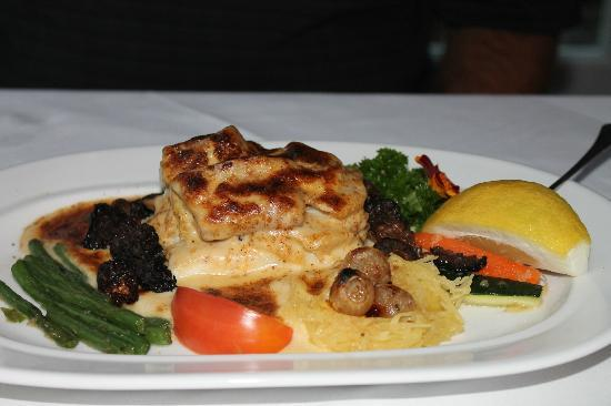 Goodstone Inn & Restaurant: flounder and crab