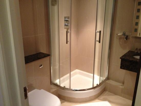 Oliver Hotel: bagno