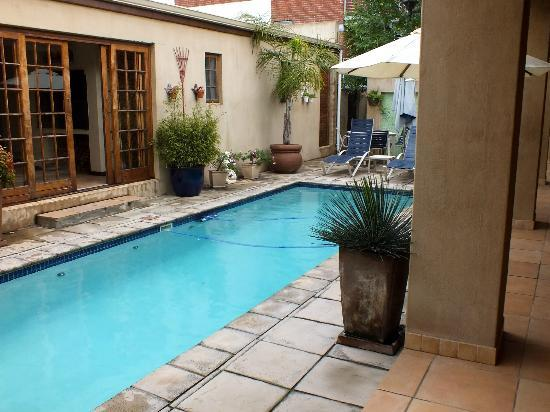 Apple Tree Guest House: pool