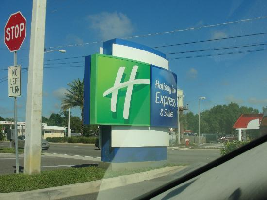 Holiday Inn Express & Suites Tampa USF-Busch Gardens: Holiday Inn Express & Suites