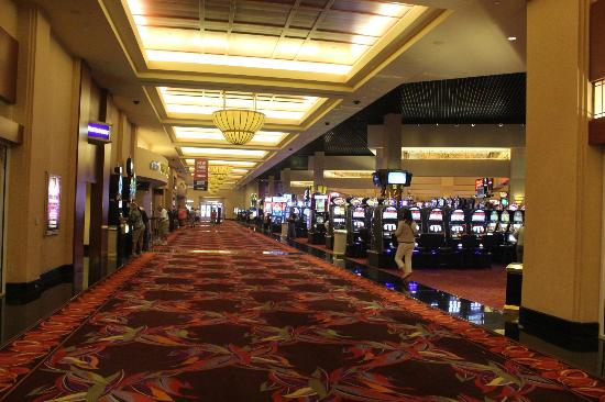 Harrah's Rincon Casino & Resort: casino area