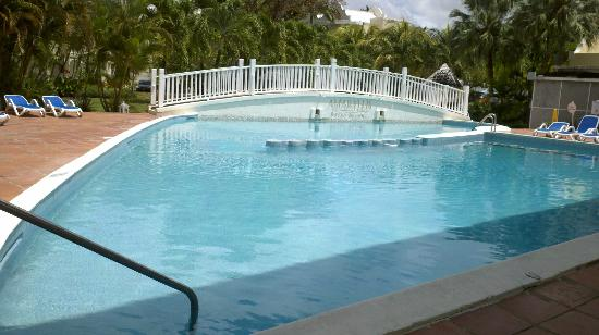 Amaryllis Beach Resort: Pool