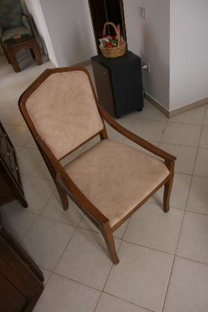 Hilton Dahab: Furniture