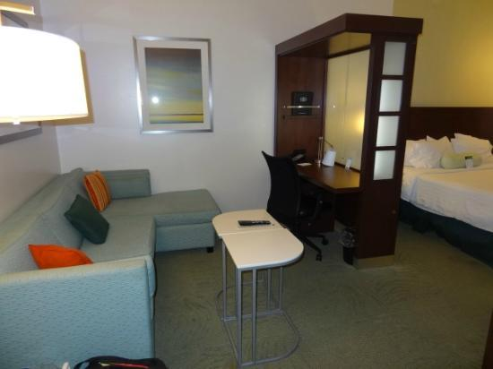 SpringHill Suites Quakertown: Lounge